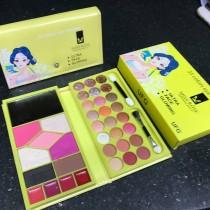 Miss Rose 8 in 1 Master Makeup Set