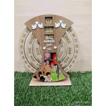 Customized Wooden Rotating Calendar